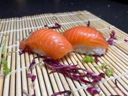 Nigiri Sake (2 stuks)